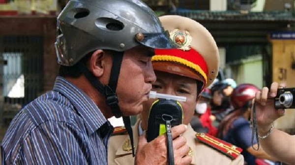 """Đã có gần 200 """"ma men"""" vi phạm bị cảnh sát giao thông xử phạt trong 1 tuần. Ảnh internet."""