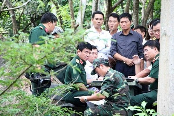 Thượng tướng Võ Văn Tuấn chỉ đạo công tác tìm kiếm cứu nạn. Ảnh Infonet.vn