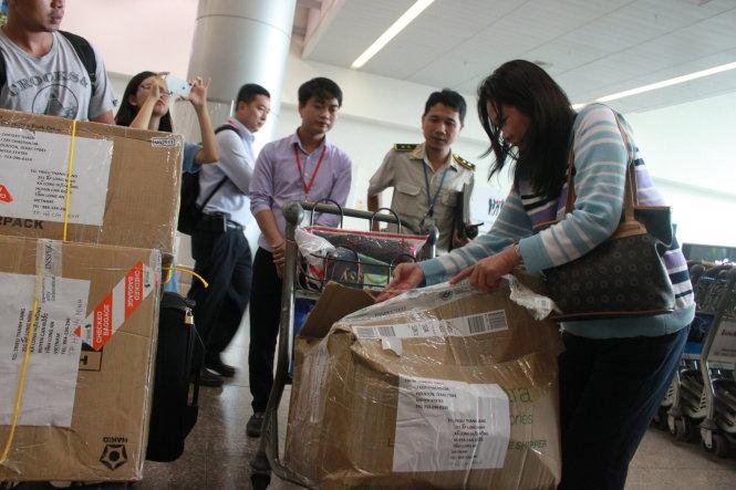 Kết quả hình ảnh cho Hải quan Việt Nam khẳng định: Công chức Hải quan không lấy cắp hành lý tại sân bay