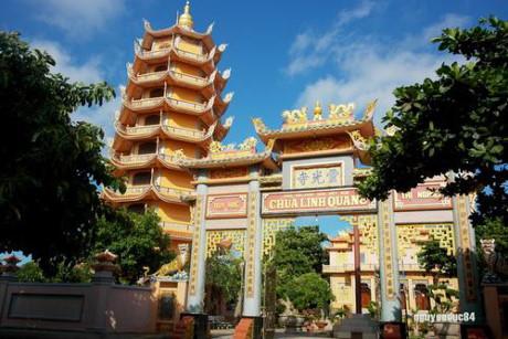 Chùa Linh Quang.