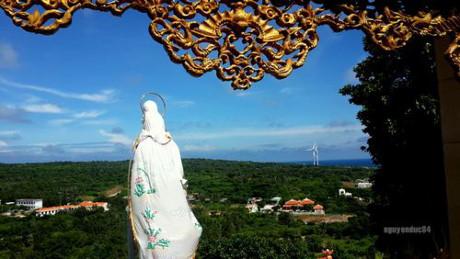 Chùa Linh Sơn trên núi Cao Cát.