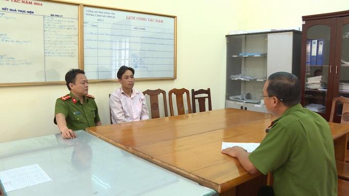 Đối tượng Tạ Văn Lý tại cơ quan điều tra. Ảnh CA tỉnh Hưng Yên.