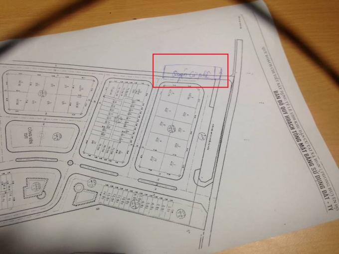 Quán cà phê Sanfran Cisco (trong ô đỏ) nằm trên mương thoát nước, nằm sát ngay tại khu đô thị thuộcCông ty Cổ phần thương mại An Bình Phát .