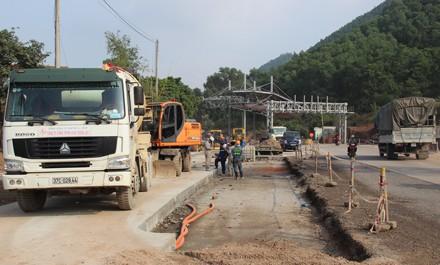 Dự án được khởi công từ tháng 9/2014, thông xe từ tháng 3/2017 và được Bộ Giao thông Vận tải nghiệm thu đưa vào khai thác sử dụng từ tháng 5/2017.