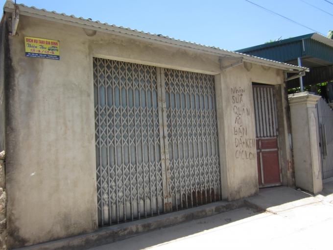 Nhà anh Kiên - Phó công an xã Hải Lộc, người bị tố cáo đã cưỡng bức cháu T.