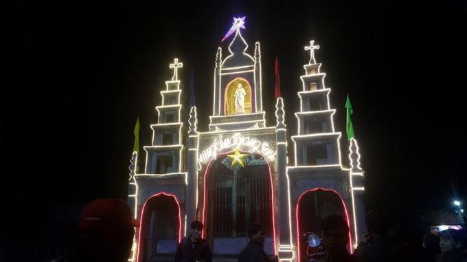 Nhà thờ Đá là nơi có giá trị nghệ thuật và kiến trúc nhất của quần thể nhà thờ Đá Phát Diệm.
