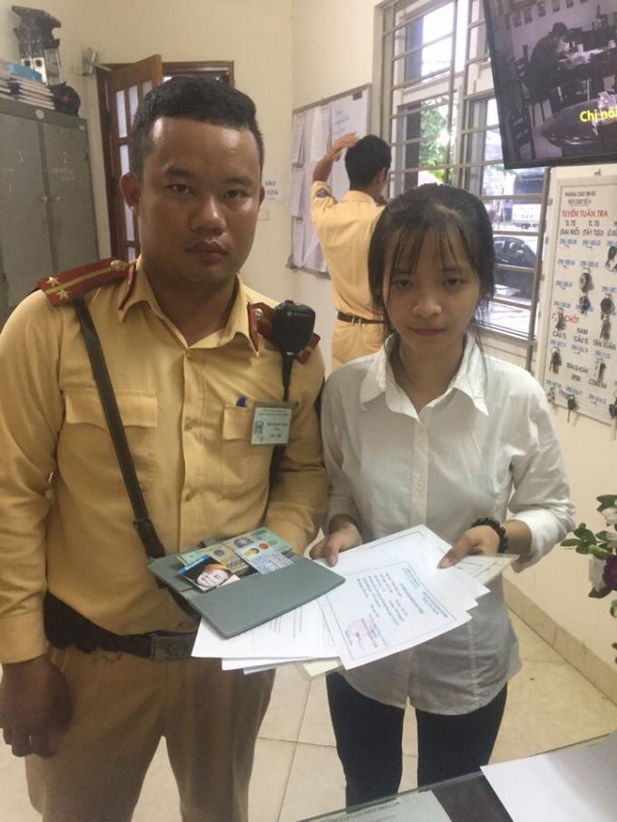 Trung uý Nguyễn Đức Linh và em Phạm Khánh Huyền.