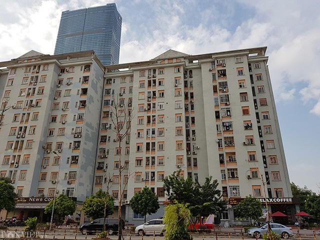 Chung tình trạng, hàng loạt khu tái định cư Nam Trung Yên (Q. Cầu Giấy, Hà Nội) cũng cho thấy sự nhếch nhác, bẩn thỉu.
