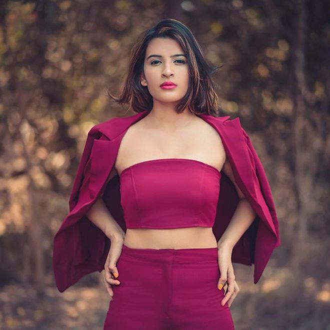 Người mẫu Mansii Dixit bị giết ở tuổi 20