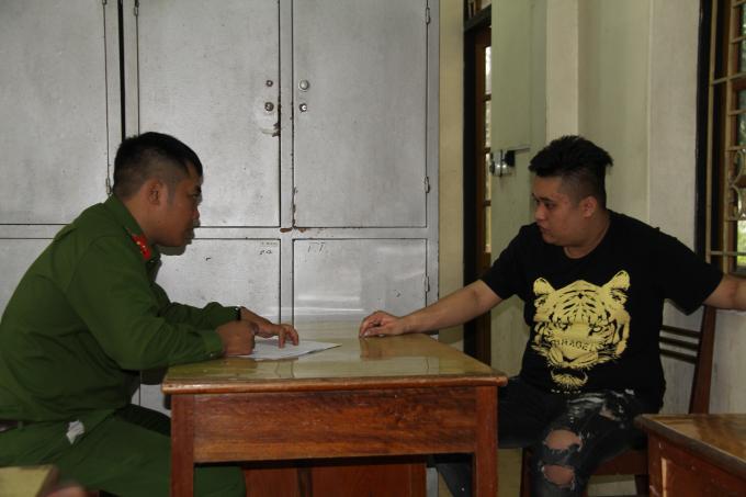 Đối tượng Vũ Anh Tú bị cơ quan công an tỉnh Yên Bái bắt giữ.Ảnh: Lê Phiên