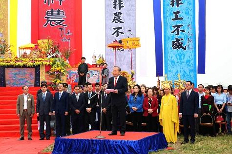 Phó Thủ tướng Trương Hòa Bình phát biểu tại Lễ hội Tịch điền (Ảnh: VGP/Lê Sơn)