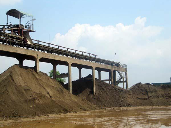 Gần đây nhiều công ty khai thác khoáng sản tại Lào Cai bị xử phạt vì vi phạm các quy định pháp luật.