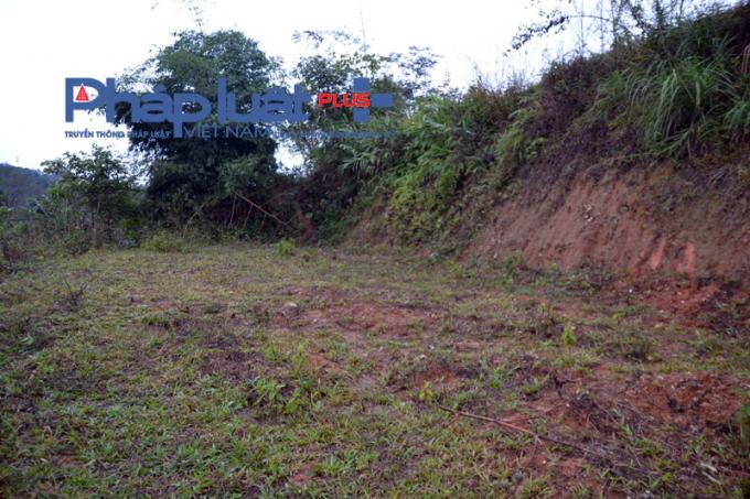 Một hộ dân mua đất nói là làm thổ cư và đất vườn nhưng hạ cấp để bán chôn huyệt.