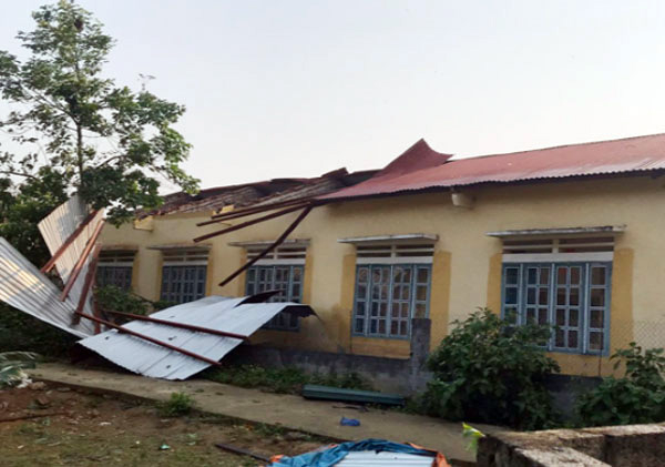 Điểm Trường Tiểu học thôn Na Lang, xã Lùng Vai bị t.ốc mái. (Ảnh Baolaocai.vn).