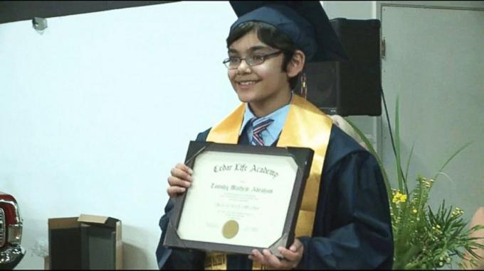 Tanishq trong buổi lễ tốt nghiệp.