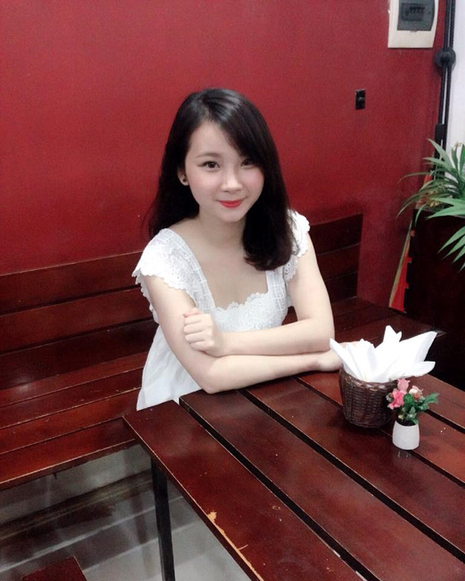 Linh Trang trong trang phục hàng ngày.