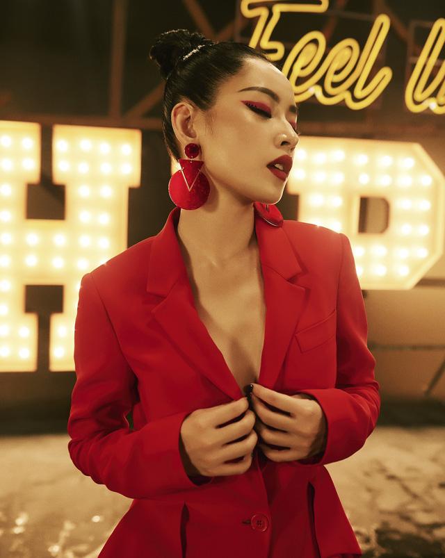 Chi Pu chính thức công bố trở thành ca sĩ khiến nhiều người bất ngờ.
