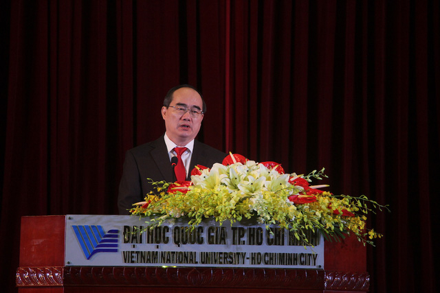 Bí thư Thành uỷ TP.HCM Nguyễn Thiện Nhân phát biểu tại lễ khai khoá ĐHQG TPHCM.