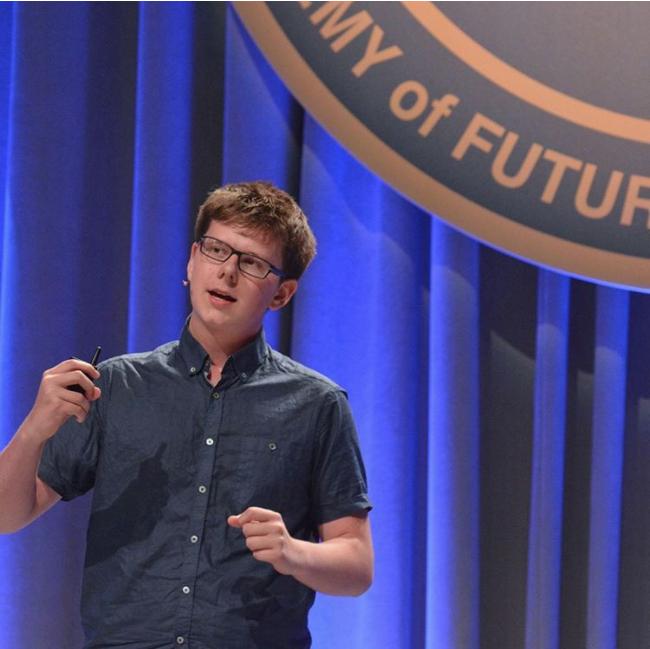 Chân dung Erik Finman, bỏ học năm 15 tuổi, làm giàu nhờ Bitcoin.