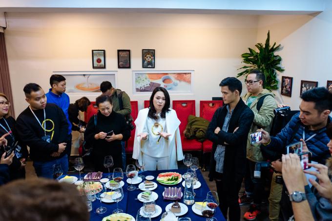 Mỹ Tâm trongbuổi gặp gỡ thân mật với giới truyền thông báo chí ở Hà Nội.