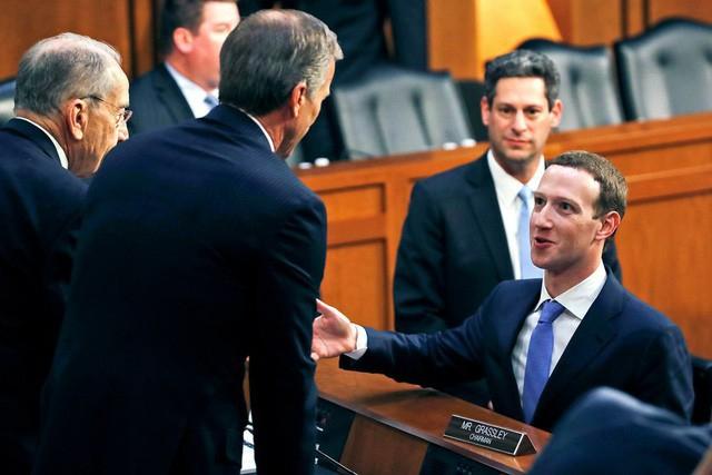 Zuckerberg được nhận xét là bình tình và tự tin trong 2 phiên điều trần - Ảnh: Getty Images.