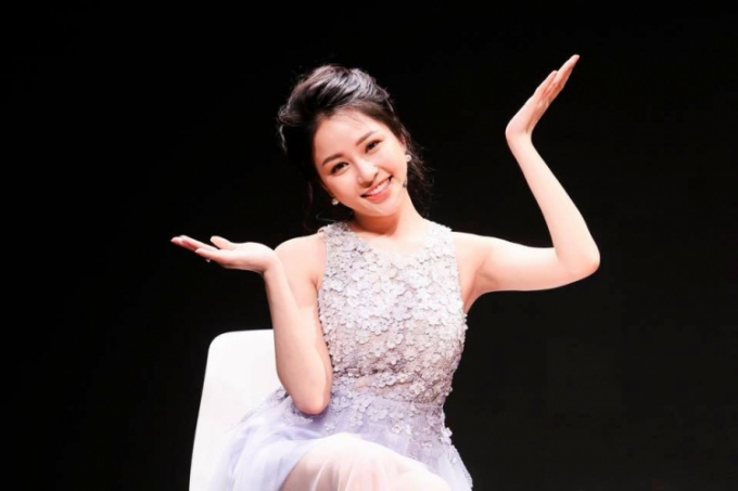 """Hot girl Trâm Anh vốn là trình dược viên, cô được chú ý từ khi tham gia chương trình """"Nóng cùng World Cup 2018""""."""