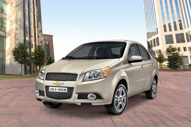 Chevrolet Aveo (mức giảm: 80 triệu đồng).