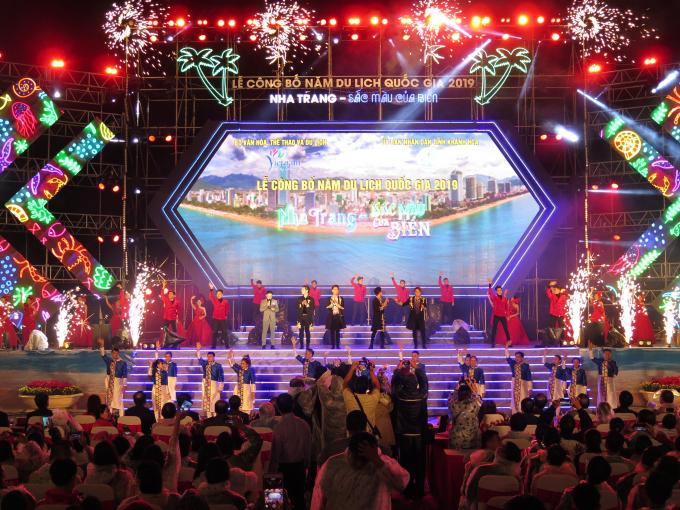 Lễ Công bố Năm Du lịch Quốc gia có sự tham gia của nhiều nghệ sĩ, ca sĩ, các đoàn múa nghệ thuật nổi tiếng