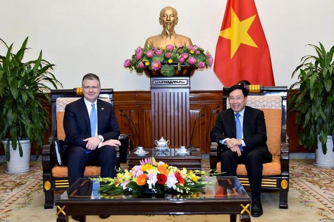 Phó Thủ tướng Phạm Bình Minh và Đại sứ Daniel Kritenbrink.