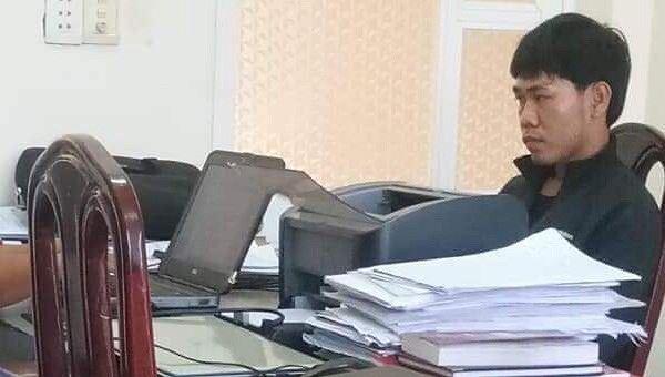 Đối tượng Ân ra đầu thú tại cơ quan cảnh sát Điều tra huyện Nhơn Trạch.