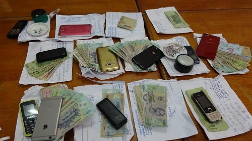 Tang vật đánh bạc bị thu giữ