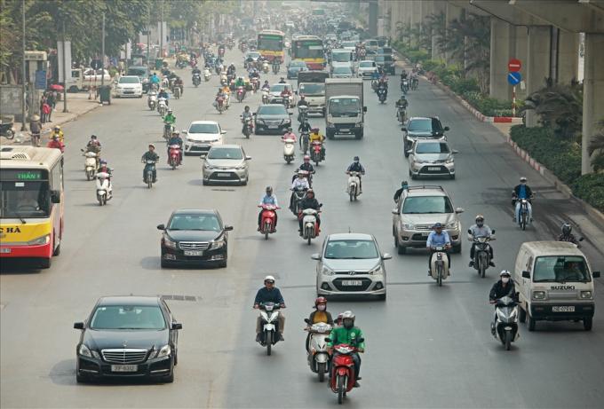 Trong lộ trình tiến tới cấm xe máy ở trung tâm TP.Hà Nội, Sở Giao thông Vận tải (GTVT) dự tính thí điểm cấm xe máy trên đường Lê Văn Lương hoặc Nguyễn Trãi trước năm 2030.
