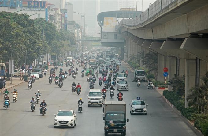 Khi tuyến đường sắt đô thị Cát Linh - Hà Đông đi vào hoạt động được kỳ vọng sẽ góp phần hạn chế tình trạng quá tải trên tuyến đường Nguyễn Trãi.