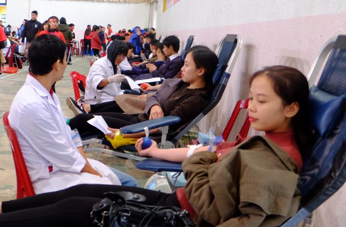 Ấm áp ngày hội hiến máu tình nguyện