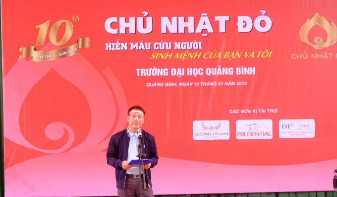 Đại diện Báo Tiền Phong phát biểu tại Ngày hội hiến máu tình nguyện.