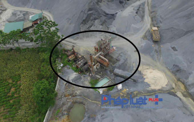 Dây chuyền sản xuất atphan trongcông ty TNHH Đại Đồng Tiến.