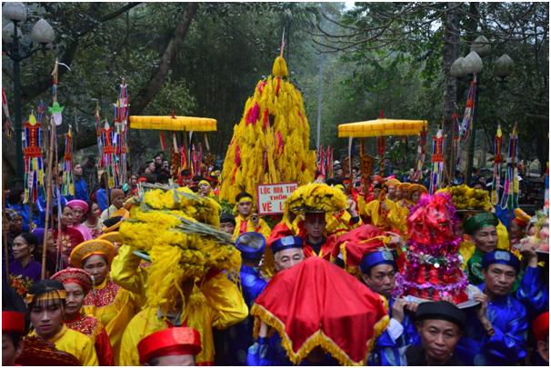 Giò hoa tre cũng là một trong 8 lễ vật được các địa phương trên địa bàn huyện Sóc Sơn cung tiến vào dịp lễ hội.