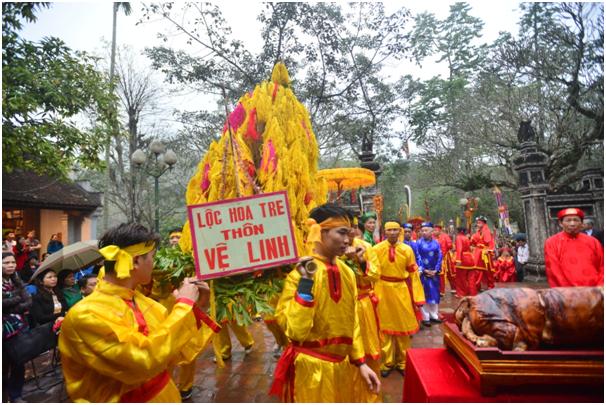 Để đảm bảo một lễ hội văn minh, ban tổ chức lễ hội Gióng năm 2018 đã quyết định thay đổi phương thức triển khai, trong đó điểm nhấn là bỏ phân đoạn cướp lộc hoa tre.