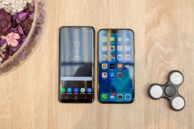 So sánh Samsung Galaxy S9 vs Apple iPhone X