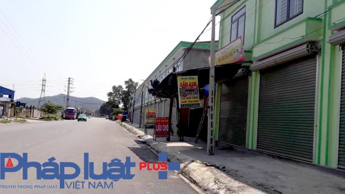 Hàng chục ki-ốt xây dựng trái phép của công ty TNHH Xây dựng Hoa Sen tại huyện Việt Yên đã bị UBND tỉnh Bắc Giang yêu cầu xử lý.