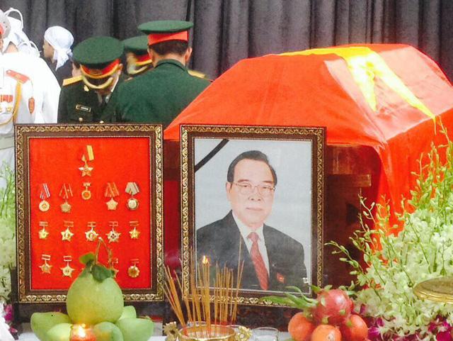 Được biết, tang lễ sẽ được tổ chức tại tư gia cho đến hết thứ 2 tuần sau