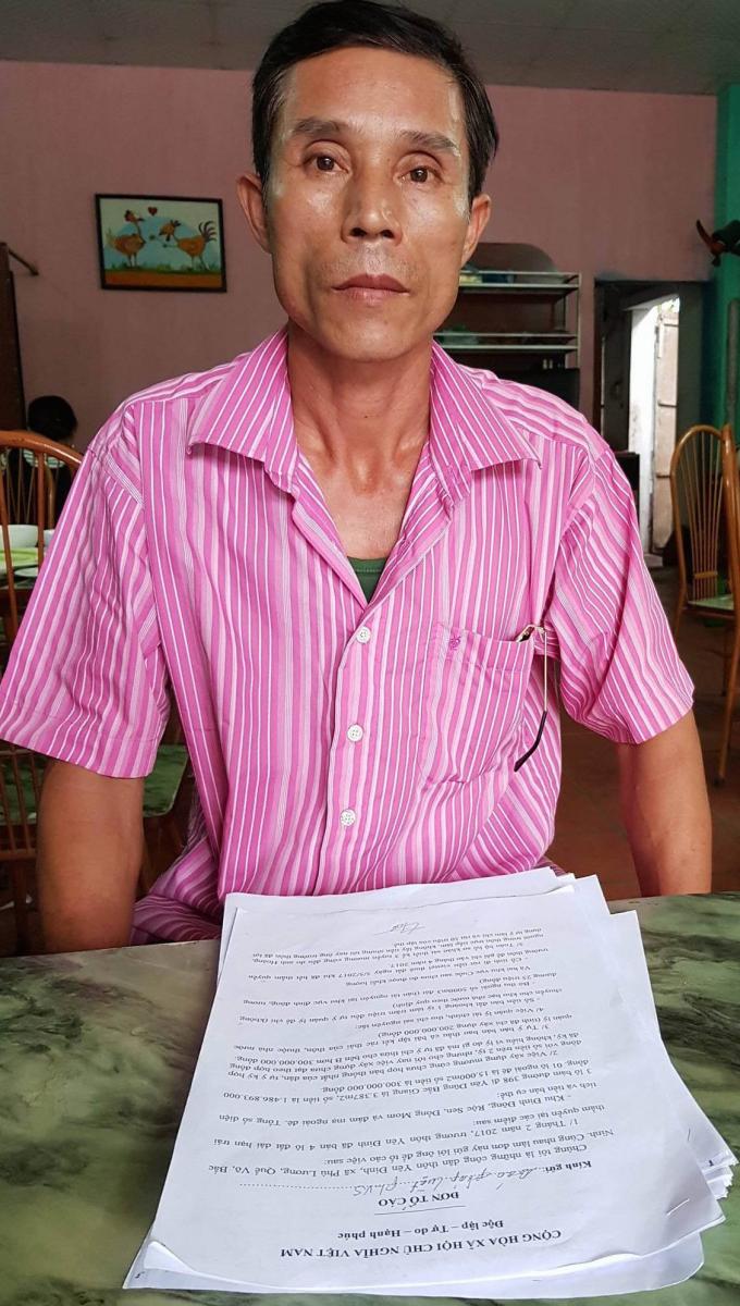 Ông Lê Văn Hời, người đứng đơn tố cáo lãnh đạo thôn, xã Phù Lương làm trái pháp luật.
