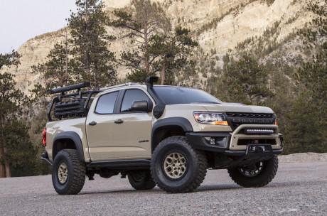 Kinh tế 24h: Cận cảnh iPhone X so dáng với iPhone 8 Plus, Chevrolet Colorado dã chiến cho nhà thám hiểm