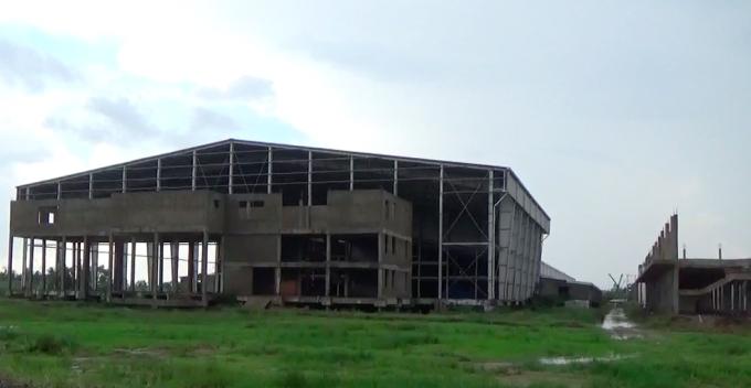 Khu nhà xưởng bị bỏ hoang.