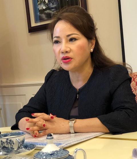 Bà Chu Thị Bình trao đổi với báo chí chiều 6/3. (Nguồn: Báo Thanh Niên)