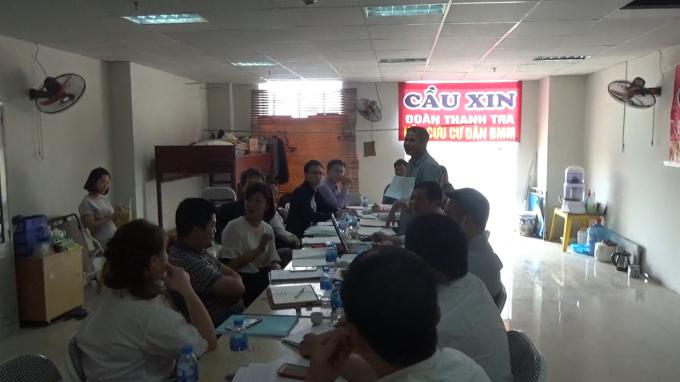 Đoàn Kiểm tra làm việc với các bên liên quan tại chung cư BMM vào ngày 18/4.
