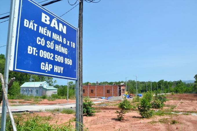 Cận cảnh lô đất phân nền ở xã Hàm Ninh