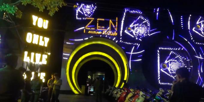 Lực lượng chức năng bất ngờ kiểm tra quán bar Zen club