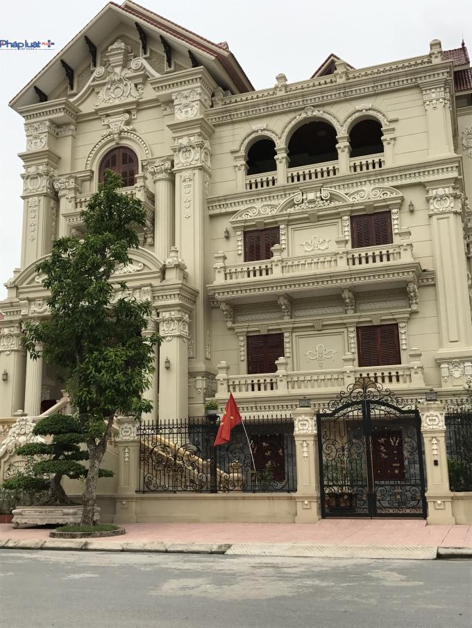 Căn biệt thự nhàông Nguyễn Minh Hoàn (em traiông NguyễnĐức Vượng).