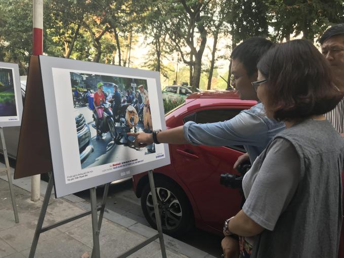 50 tác phẩm ảnh sẽ được trưng bày trong không gian phố đi bộ quanh Hồ Gươm hai ngày cuối tuần.